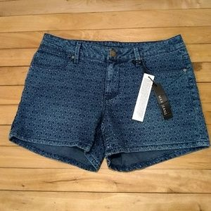 Nwt Max jeans mid rise shorts size 10